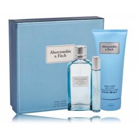 Abercrombie & Fitch First Instinct Blue for Her komplekts sievietēm (100 ml. EDP + 15 ml. EDP + ķermeņa losjons 200 ml.)
